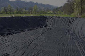 contoh geomembrane, yang umum dipakai pada pembuatan kolam dan tambak